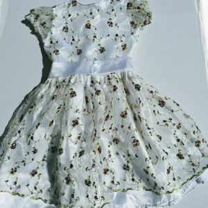 Floral Childs Dress 4-6 Toddler White w/ Flowers